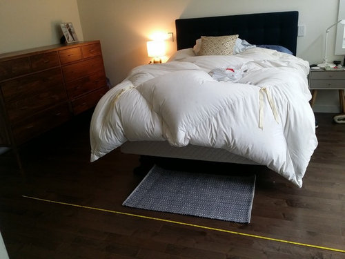 rug size for bedroom with queen size bed. Black Bedroom Furniture Sets. Home Design Ideas