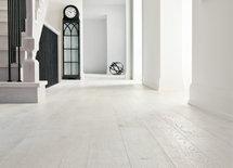 White oak floor http://houzz.com/photos/3898509