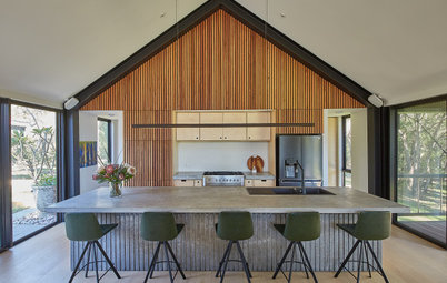 Room of the Week: A Kitchen Reflects its Setting Among Gum Trees