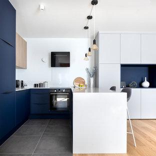 Неиссякаемый источник вдохновения для домашнего уюта: идея дизайна среднего размера в морском стиле