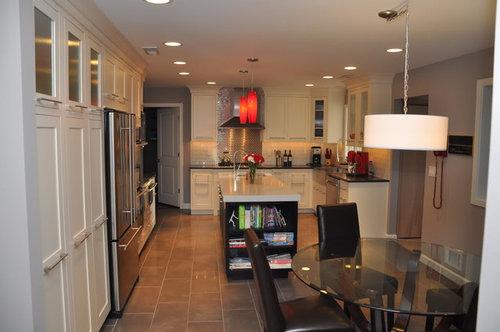 98 627  finished kitchen   glass tile