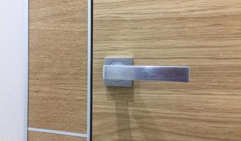 Скрыта дверь в шпоне со шпонированными панелями