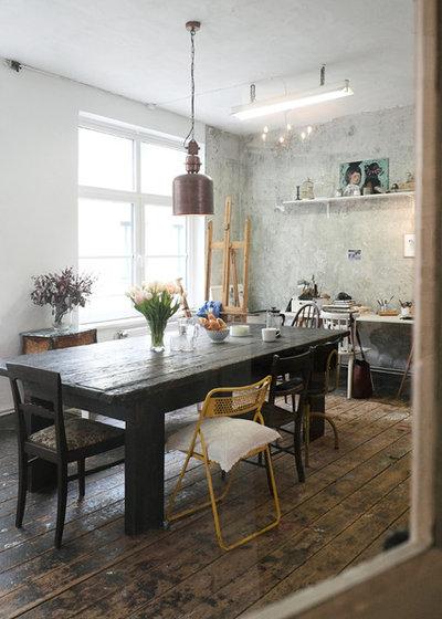 my houzz vivere senza quasi porte nella ex fabbrica di. Black Bedroom Furniture Sets. Home Design Ideas
