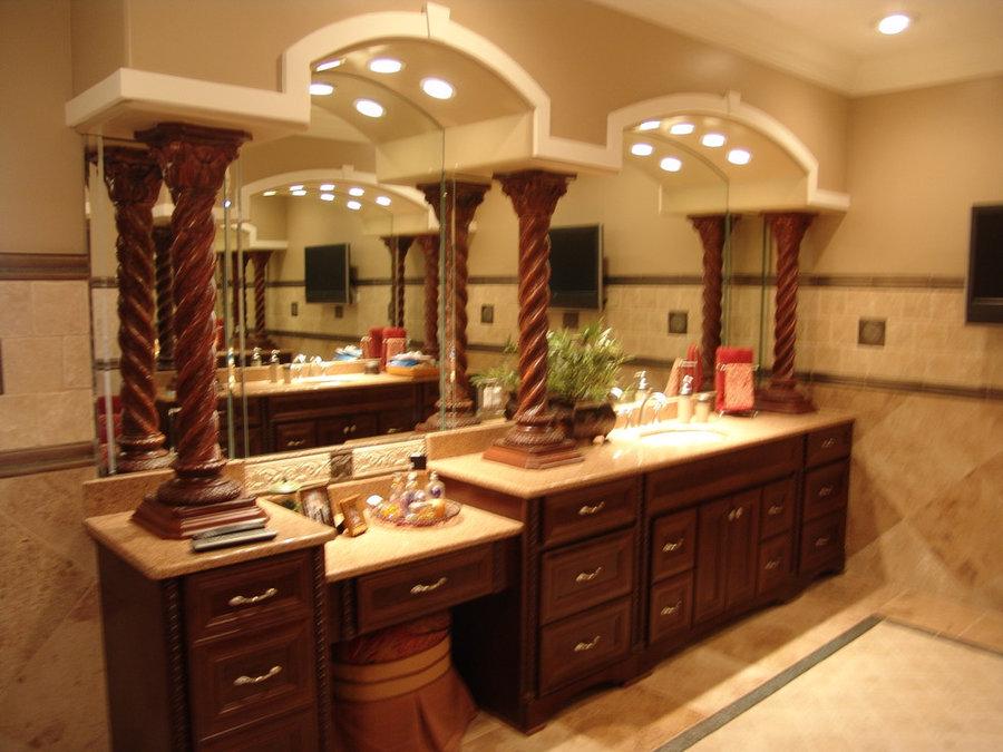 Roman Bathroom- Traditional