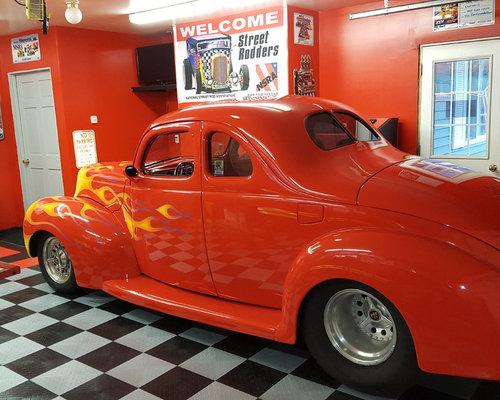 Hot Rod Flooring : Hot rod home garage with racedeck flooring system diy