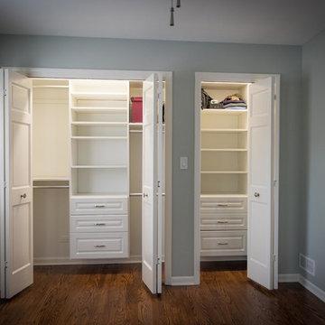 Bedroom: Closet (close look)