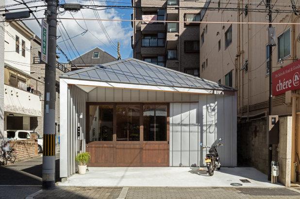 インダストリアル 玄関 by 山本嘉寛建築設計事務所  YYAA