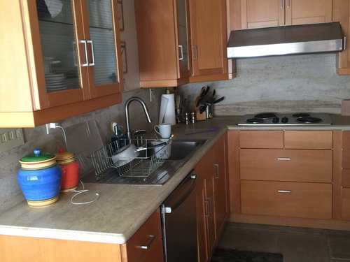 what color countertop and backsplash on maple cabinets? on Countertop Colors For Maple Cabinets  id=88930