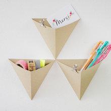 DIY : Équipez votre bureau grâce à des rangements muraux en origami