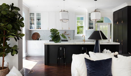 Houzz Tour: Prized Seaside Manor Reimagined for Modern Living
