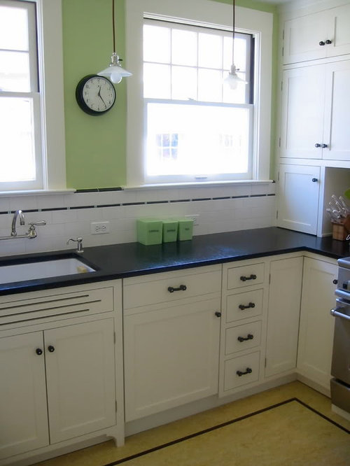 Cabinets That Go All The Way Down To The Countertop