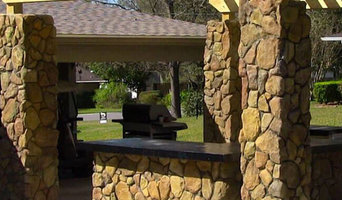 Custom Outdoor Kitchens & Bars