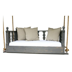 "Victorian Swing Bed, 33""x70"", Tricorn Black, Chain Hanging Kit"