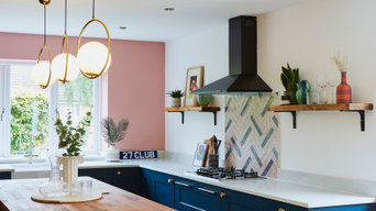 A fun & contemporary open plan kitchen and living room