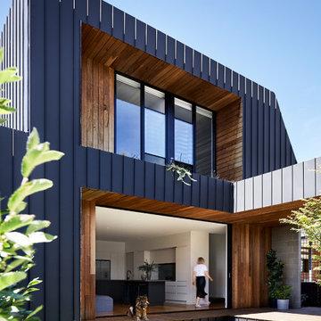 Coburg Freeboard House