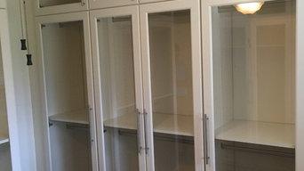A glassy closet