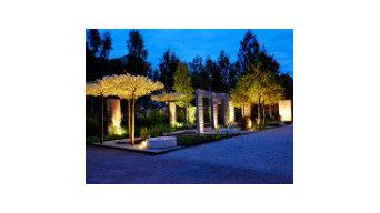 Chiếu sáng sân vườn