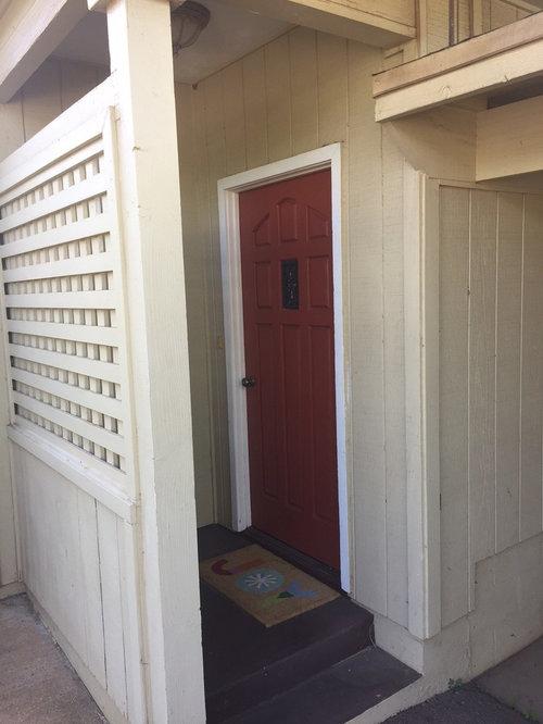 Help Front Door Enclosed In Lattice Wall Ideas