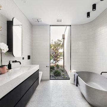 Beaumaris Main Bathroom