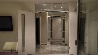 Wohnzimmer und Kamin Gestaltung in Marmorspachteltechnik
