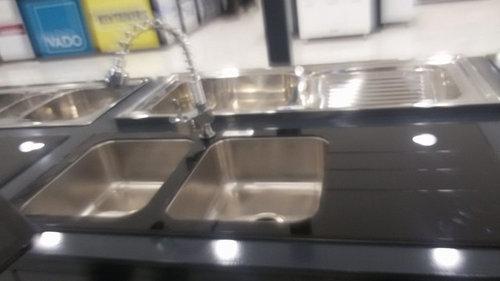 lavabo cucina in vetro nero