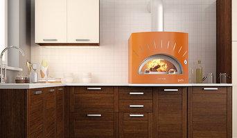 Печь для пиццы на дровах в кухне