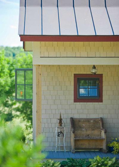 Farmhouse  by TruexCullins Architecture + Interior Design