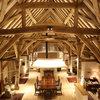 Come Si Fa: Illuminare un Soffitto con Travi di Legno a Vista