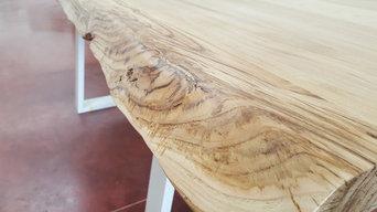 TAvolo Alex in legno massello di castagno stagionato firmato Xlab Design