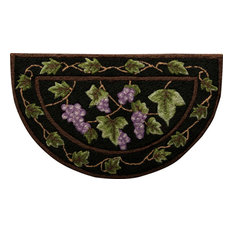"""Everywhere Grapes Slice Accent Rug, Black, 1'7""""x2'8"""""""
