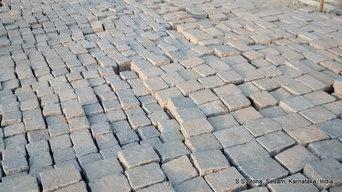Tandur / Shahabad Yellow Limestone Cobbles Tumbled