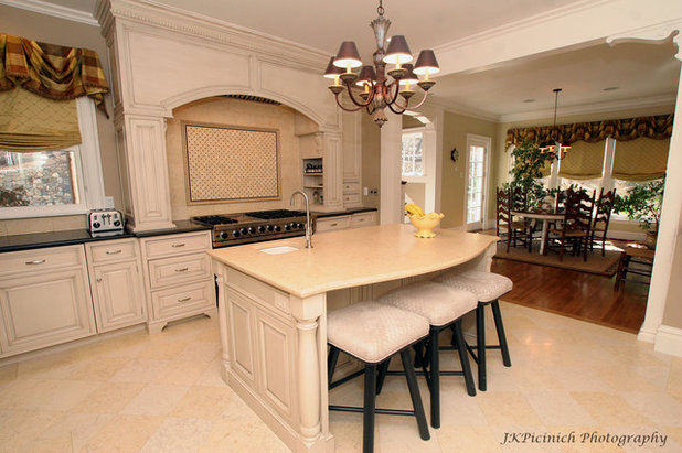 Traditional Kitchen By KI3 Design