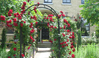 Classic Williamsburg Styled Garden