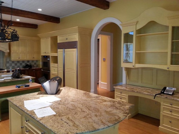 Traditional  by Robin LaMonte/Rooms Revamped