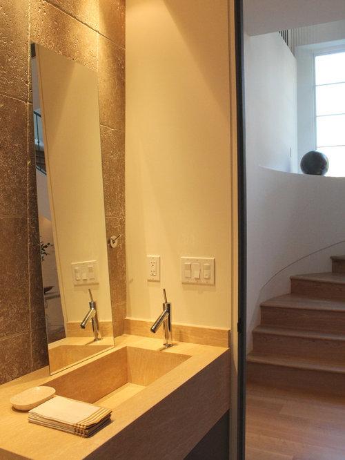g stetoilette g ste wc mit blauen schr nken mediterran ideen f r g stebad und g ste wc. Black Bedroom Furniture Sets. Home Design Ideas