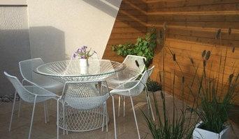 Contemporary outdoor seating area- small garden.