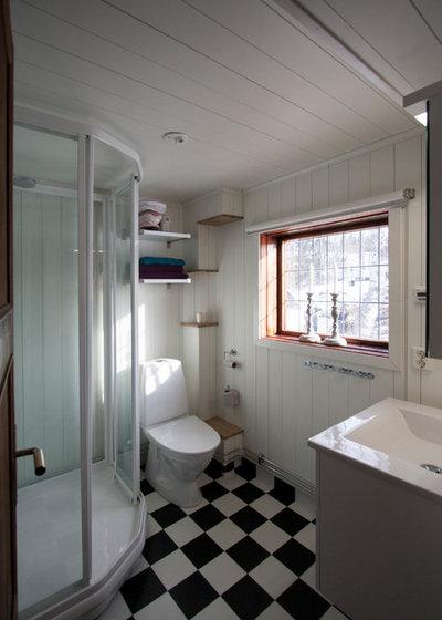 Rustikt Lille badeværelse by T+E Arkitekter