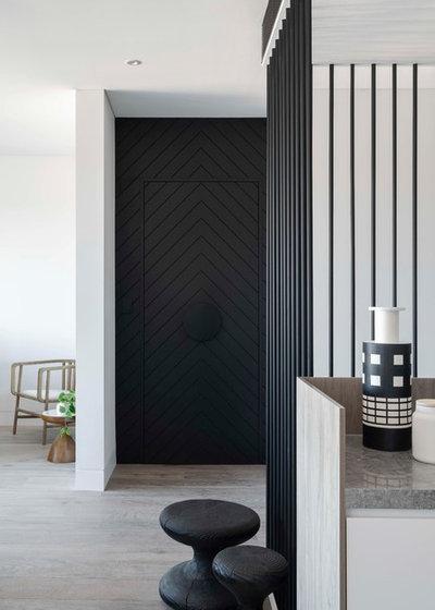 Contemporary Entry by D'Cruz Design Group Sydney Interior Designers