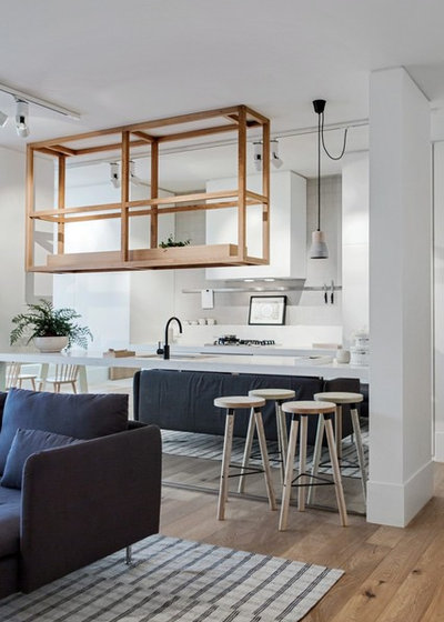 Modern  by Nuline Cabinets
