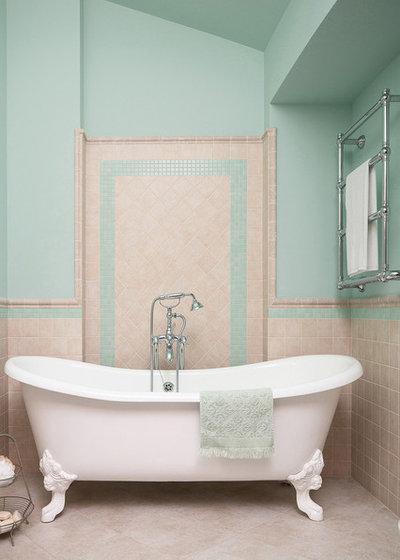 Современная классика Ванная комната Ванная девочки