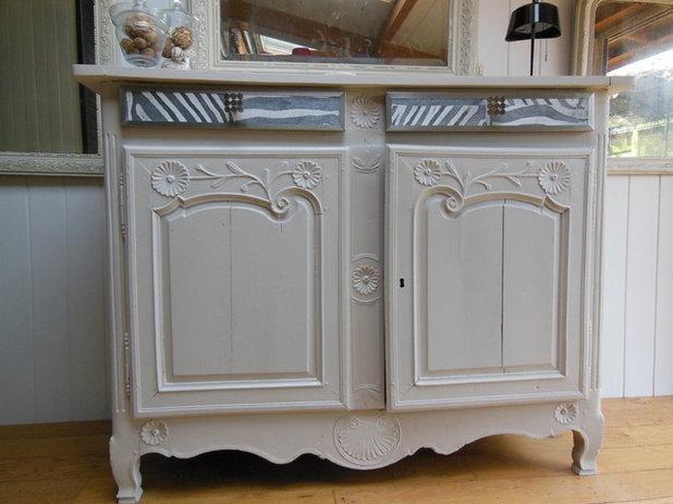 Diy modernisez un vieux buffet de famille for Moderniser des vieux meubles