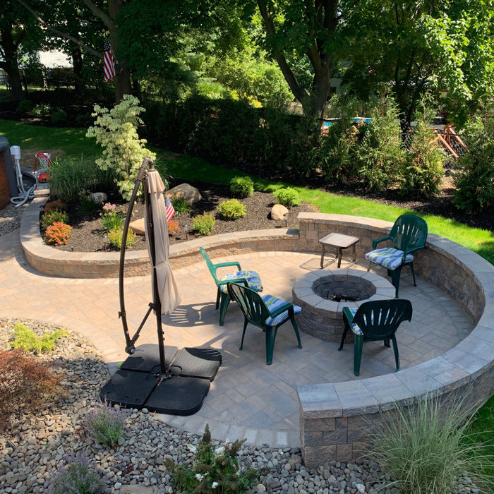 Paver patio with fire pit and sitting walls