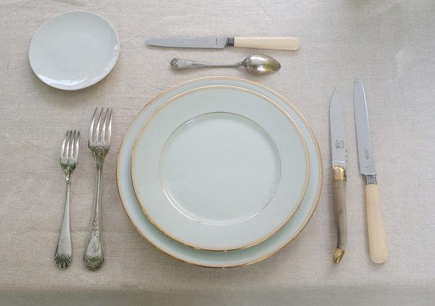 Comment dresser une table dans les r gles de l 39 art for Position des couverts a table