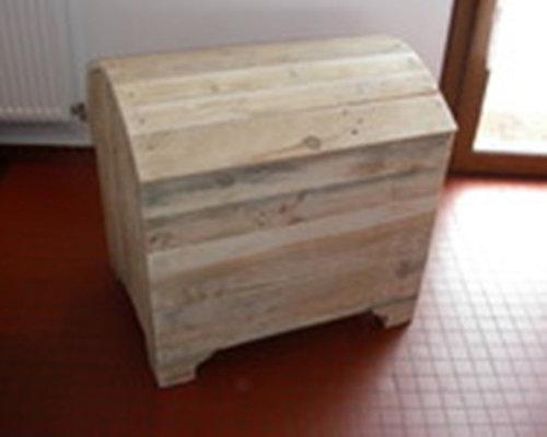 coffre-malle en bois de palette