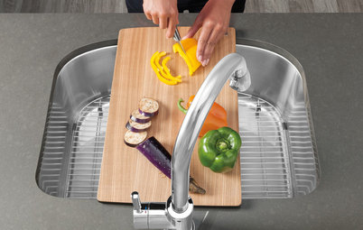 Clever Extras for a Perfectly Personalized Kitchen Sink