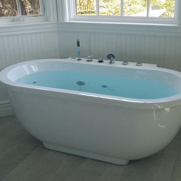 New bathtub installation in Tarzana