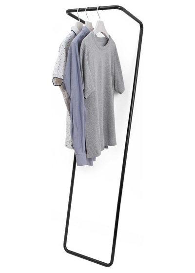 Modern Kleiderständer by Untitled Story