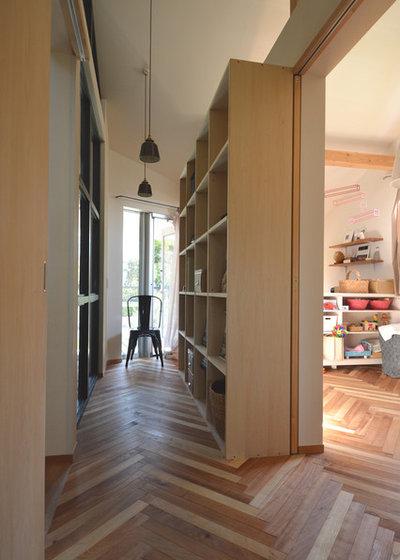 モダン  by atelier KUKKA architects