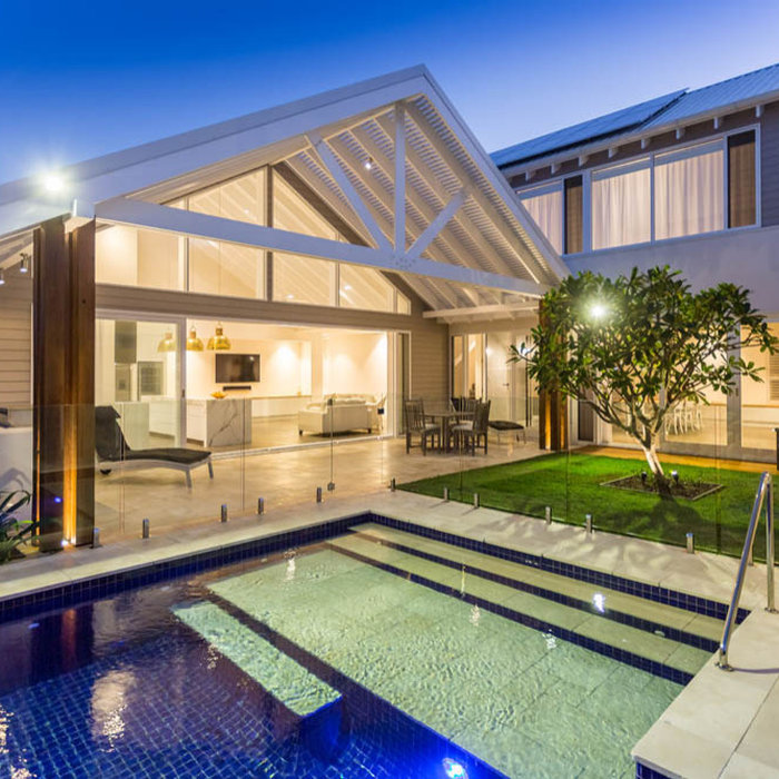 Example of a beach style pool design in Gold Coast - Tweed
