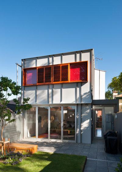 Contemporary Exterior by STUDIO e*